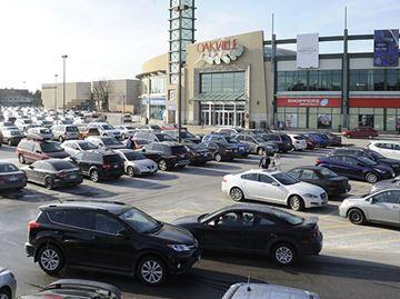 oakville-place-parking-lot