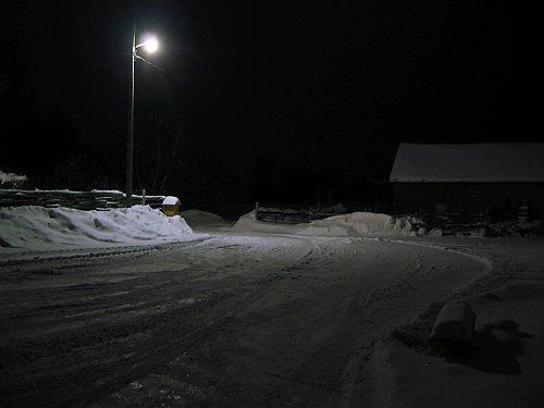 fal2007_barnyard_at_night